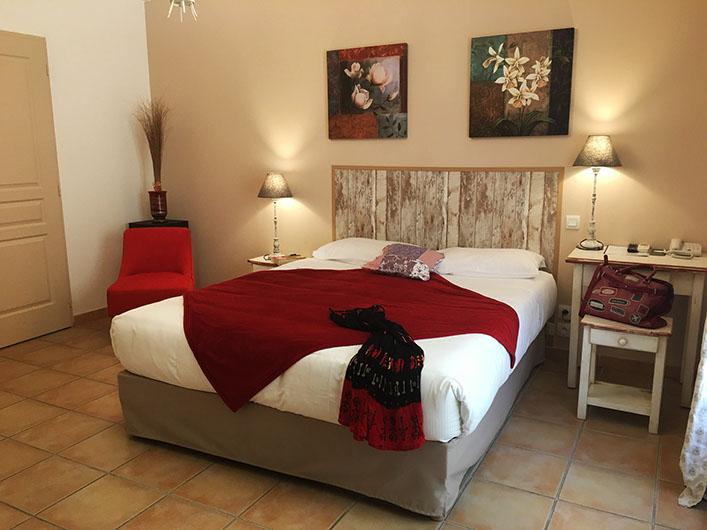 Hôtel Les Ambres à Roussillon